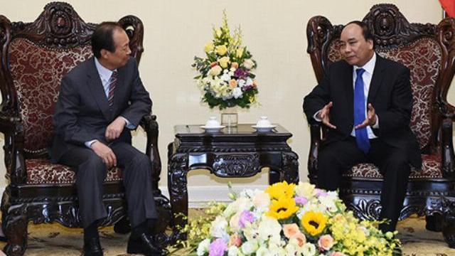 Thủ tướng Nguyễn Xuân Phúc tiếp Chủ tịch SamSung