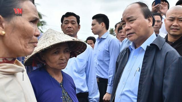 Thủ tướng Nguyễn Xuân Phúc hủy họp, thị sát vùng lũ Ninh Bình
