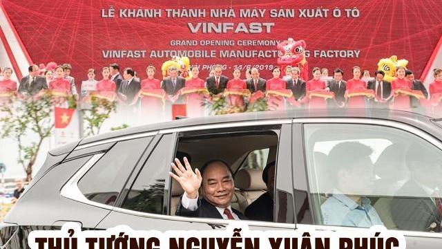 Thủ tướng Nguyễn Xuân Phúc trải nghiệm ô tô VinFast do ông Phạm Nhật Vượng cầm lái