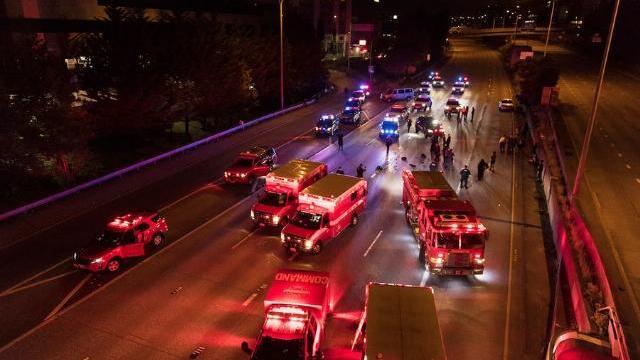 Clip: Lao xe vào đoàn người biểu tình, một phụ nữ chết, một người trọng thương