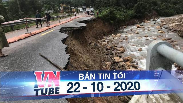 Cấm xe nhiều tuyến đường qua miền Trung do ngập, sạt lở