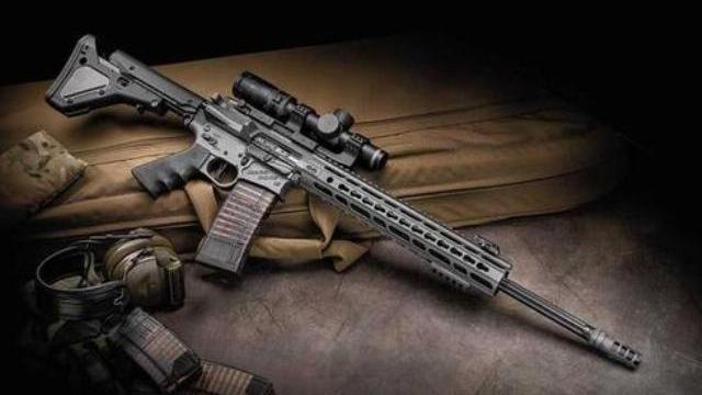 AR-15 - Mẫu súng trường được cả dân Mỹ lẫn khủng bố ưa thích