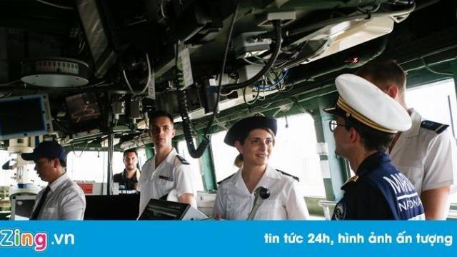 2 tàu chiến Pháp ghé cảng ở TP. HCM