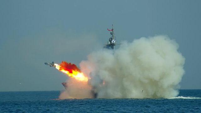 2 tàu Gepard mới nhất của Việt Nam lần đầu bắn đạn thật trên biển: Tiêu diệt gọn mục tiêu