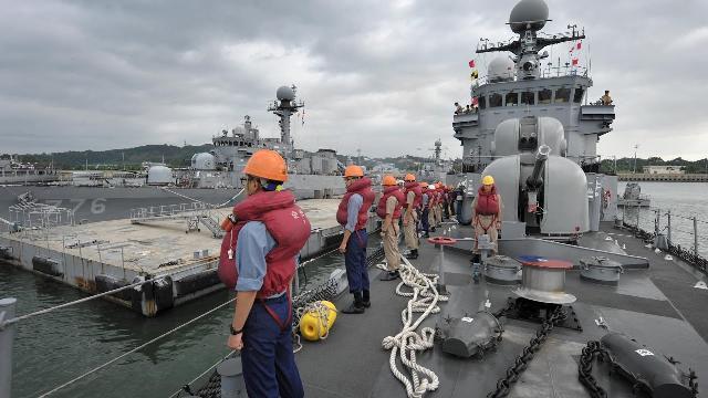 Bên trong Tàu tuần tra Pohang - Hàn Quốc