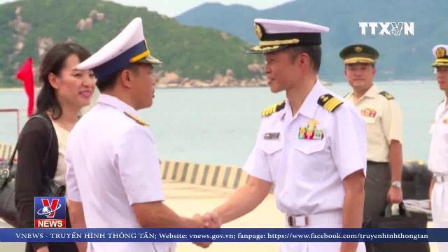 Tàu ngầm huấn luyện Nhật Bản cập Cảng Quốc tế Cam Ranh