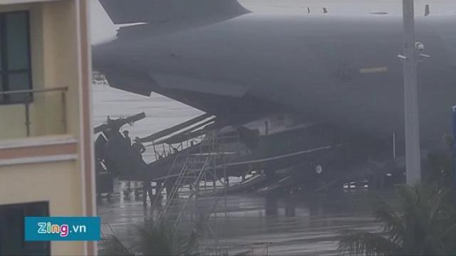 Siêu vận tải C-17 đưa chuyên cơ của Tổng thống Trump đáp xuống Đà Nẵng