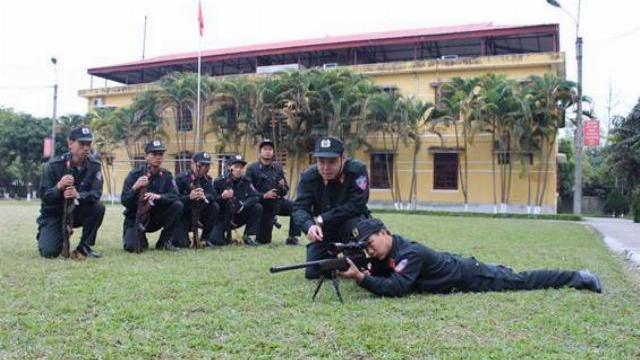 """Súng bắn tỉa """"khủng"""" CS Đặc nhiệm dùng vây bắt kẻ ôm lựu đạn cố thủ ở Nghệ An là loại gì?"""