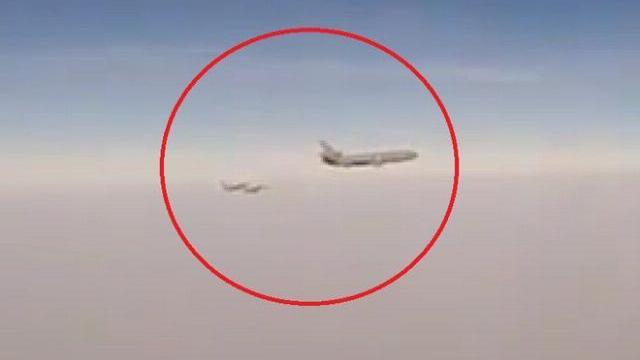 Chiến đấu cơ Nga hùng hổ chặn bộ 3 máy bay Pháp-Mỹ ở Syria?
