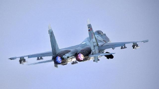 Máy bay Nga quần thảo tại khu vực cây cầu bắc ngang eo biển Kerch