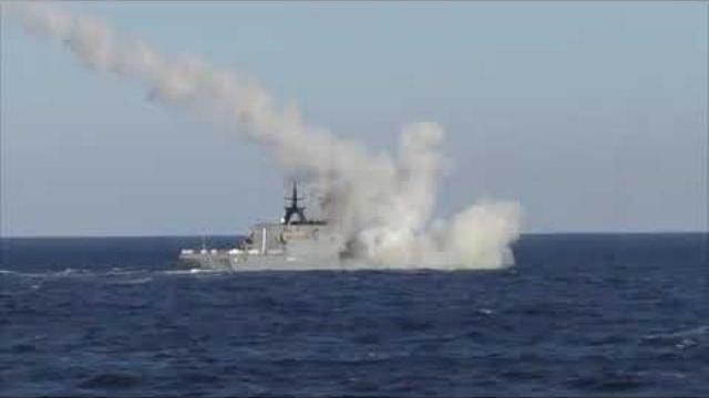 """Hộ tống hạm """"Gromkiy"""" phóng tên lửa Uran, có trong biên chế chiến hạm Việt Nam"""