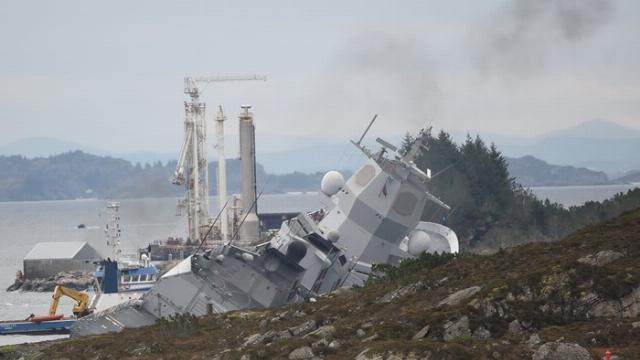 Xem hải quân Na Uy kích nổ vũ khí trên tàu Helge Ingstad
