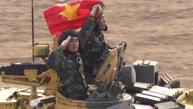 Việt Nam xuất sắc vào chung kết Tank Biathlon 2019