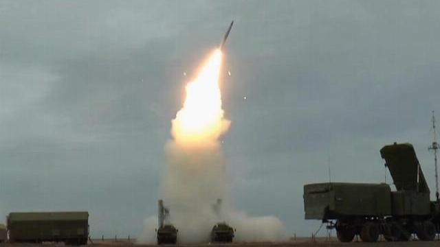 'Rồng lửa' S-400 đồng loạt khai hỏa, huỷ diệt 8 mục tiêu