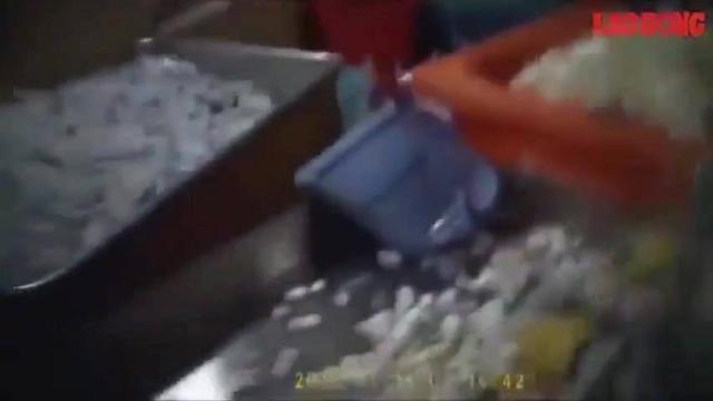 Rác thải y tế Bệnh viện Bạch Mai tái chế thành hộp cơm, ông hút, đũa, dĩa nhựa