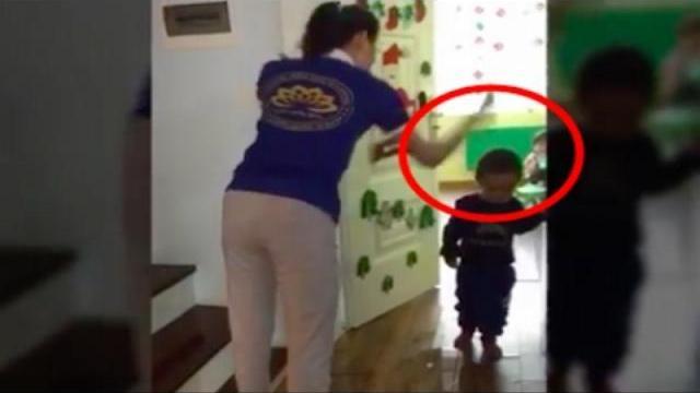 Dân tình phẫn nộ ra sao với clip giáo viên cầm dép đánh trẻ?