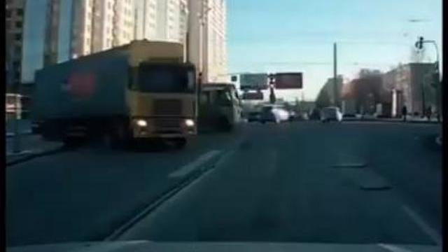 Những pha đổ tải, quá nhanh quá nguy hiểm