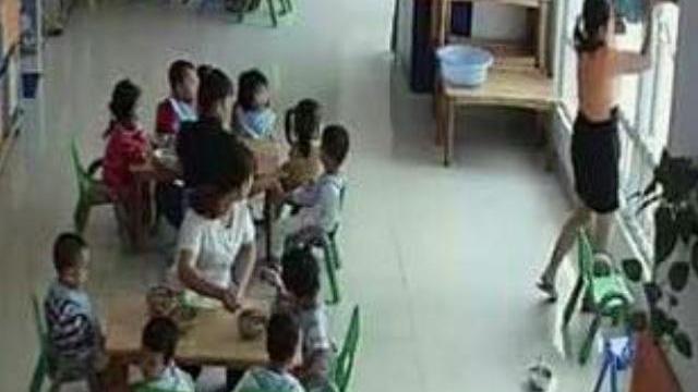 Lãnh đạo trường mầm non có hiệu trưởng dốc đầu trẻ để ép ăn lên tiếng xác nhận vụ việc