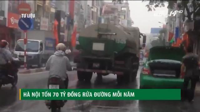 Hà Nội tốn 70 tỷ đồng mỗi năm cho việc... rửa đường