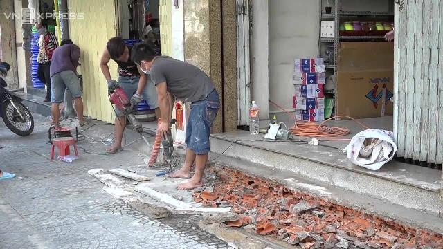 Người Sài Gòn tự đập bậc thềm, trả lại vỉa hè