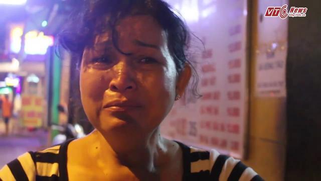 Bị xử lý lấn chiếm vỉa hè, dân quận Gò Vấp khóc nức nở, gay gắt phản đối