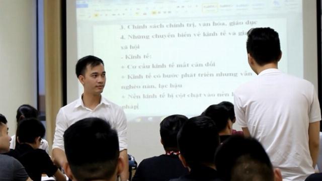 Trung úy công an mở lớp luyện thi miễn phí cho học sinh nghèo