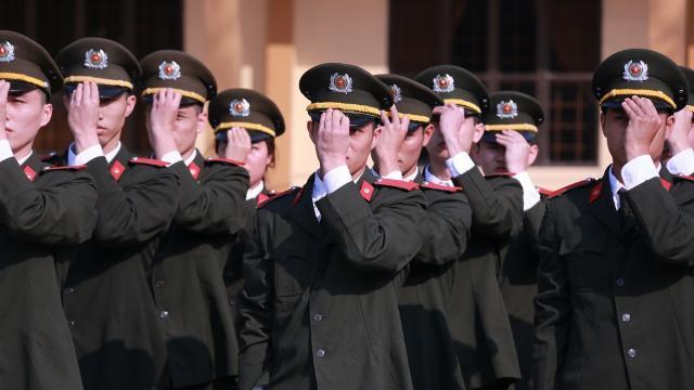 Học viên An ninh nhân dân thực hiện điều lệnh đều răm rắp
