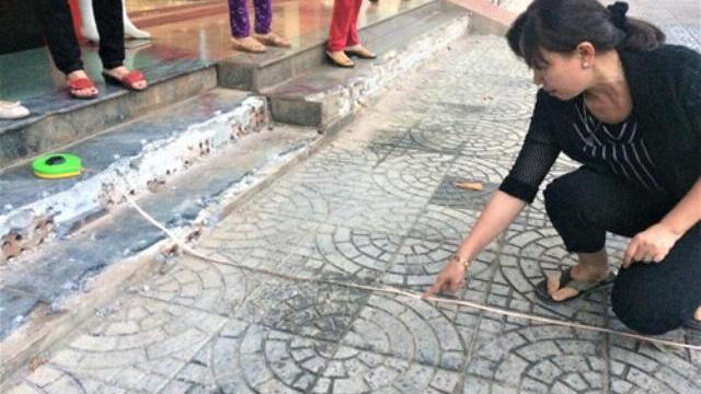 'Giành lại vỉa hè': Chủ tịch phường xin lỗi dân vì vội vã đập bậc tam cấp