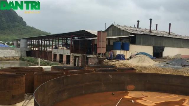 Phát hiện doanh nghiệp ở Thanh Hóa chôn ống ngầm xả thải ra sông