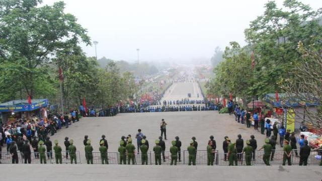 Công an, sinh viên rải 5 tầng bảo vệ lễ hội Đền Hùng