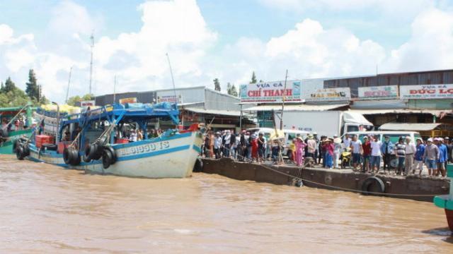 Chìm tàu trên biển Gành Hào, ít nhất 3 nam sinh chết