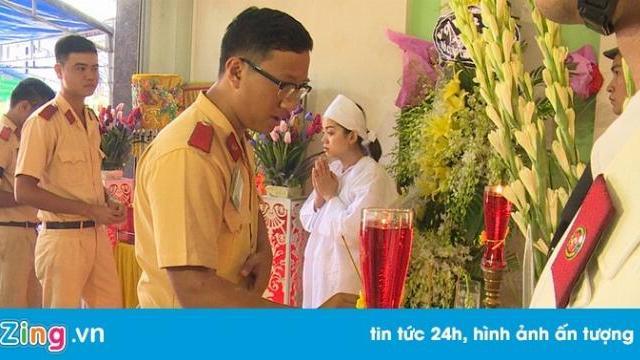 Lặng người trong lễ viếng thiếu tá CSGT tử nạn