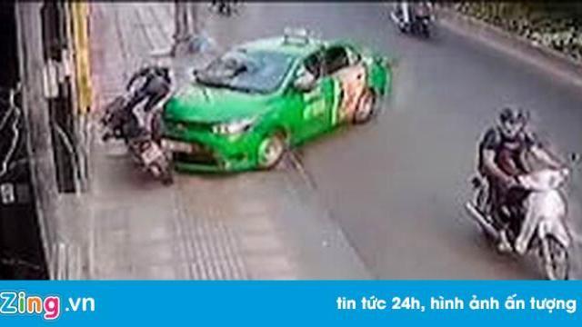 Cảnh sát nói gì về tình huống tài xế taxi tông tên cướp ở Sài Gòn