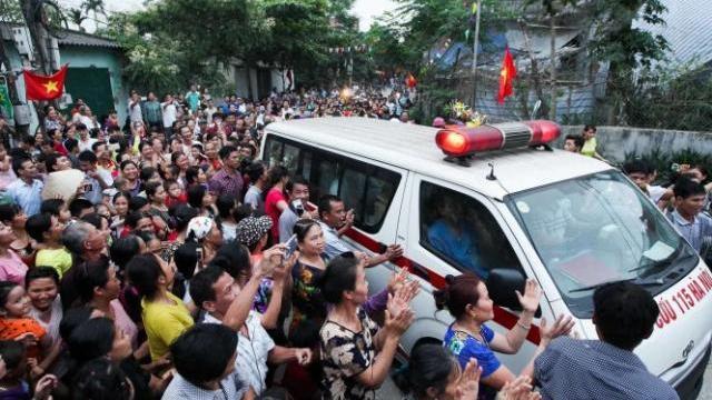 Cụ Lê Đình Kình đã xuất viện về với gia đình ở Đồng Tâm
