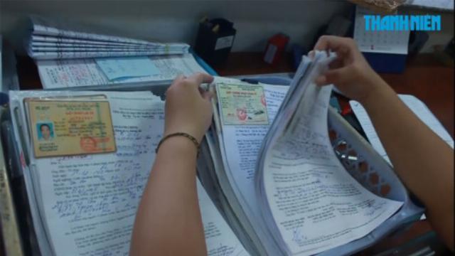 Hàng vạn người 'vứt bỏ' bằng lái xe cho CSGT TP.HCM