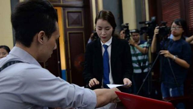 Nghĩa trình các lá thư nilong lên hội đồng xét xử