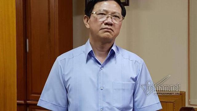 Ông Vũ Xuân Sáng trao đổi với báo chí sáng 30-6
