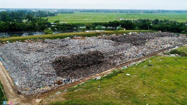 Bãi rác rộng hơn 20.000 m2 'bức tử' phố biển Sầm Sơn