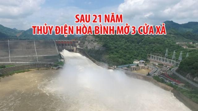 [FLYCAM] Xem từ trên cao thủy điện Hòa Bình mở 3 cửa xả lũ sau 21 năm
