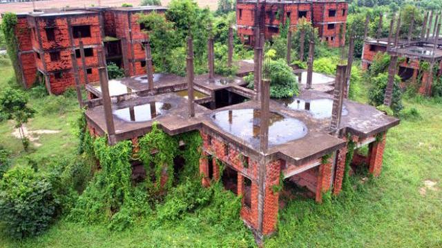 Những biệt thự bỏ hoang ở Nhơn Trạch nhìn từ trên cao