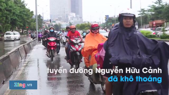 Siêu máy bơm hút cạn nước tại rốn ngập ở Sài Gòn trong 20 phút