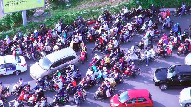 Khu vực đường sân bay Tân Sơn Nhất luôn kẹt xe nghiêm trọng