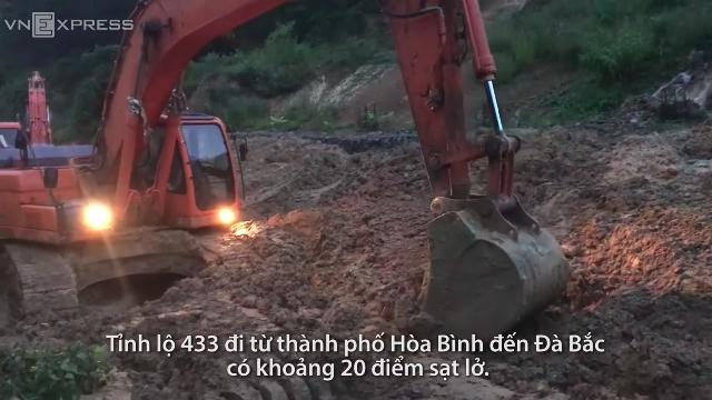 Sạt lở tỉnh lộ 433 từ TP Hòa Bình đến huyện Đà Bắc.