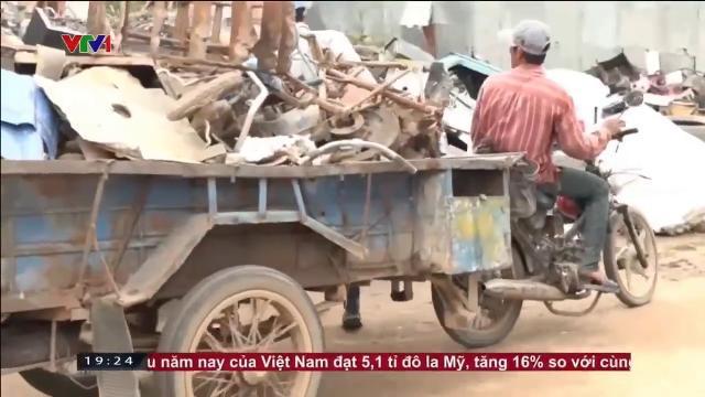 Phế liệu vượt biên tràn vào Việt Nam