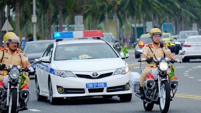 CSGT thực hiện diễn tập liên tục trên đường phố Đà Nẵng trước thềm APEC 2017