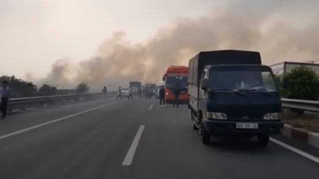 Tông xe liên hoàn do khói mù mịt trên cao tốc Long Thành- Dầu Giây