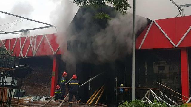 Trực tiếp cháy dữ dội quán Sive Beer Club ở Hải Phòng