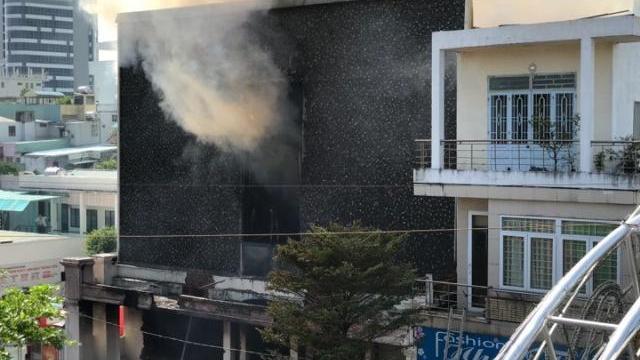 Cháy lớn tại tòa nhà liên quan đến đất công sản trong vụ án Vũ Nhôm