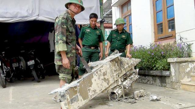 Ngư dân kéo được vật thể nghi của máy bay rơi