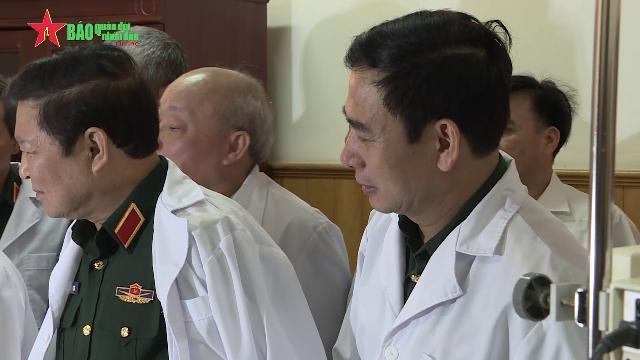 Tổng Bí thư Nguyễn Phú Trọng thăm, chúc mừng các đồng chí nguyên lãnh đạo Đảng, Nhà nước
